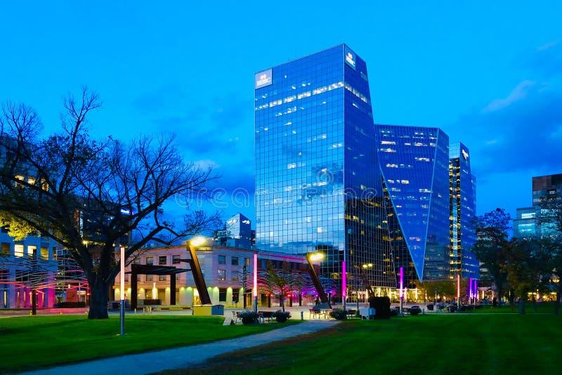 黄昏时分,加拿大市中心瑞金娜 免版税库存图片