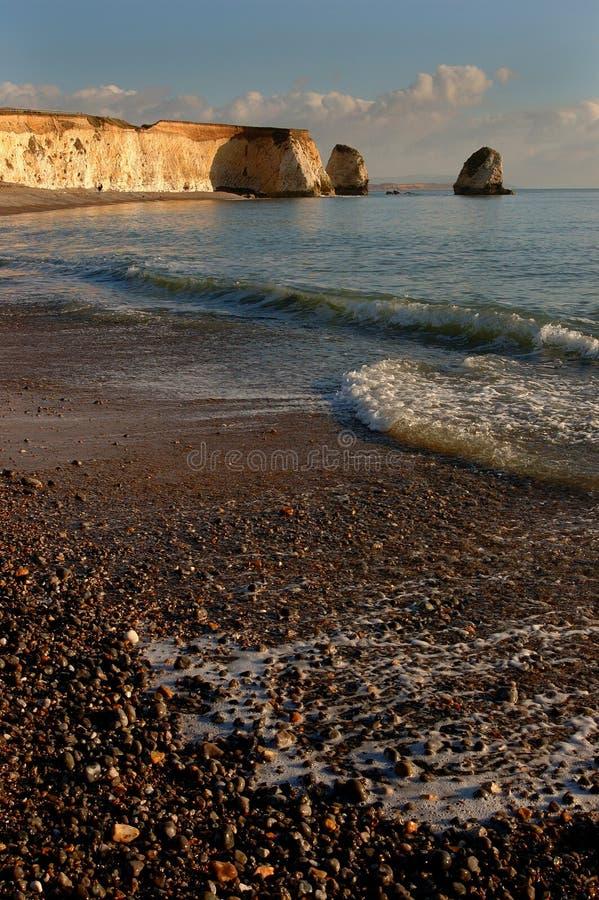 黄昏海岸线 库存图片