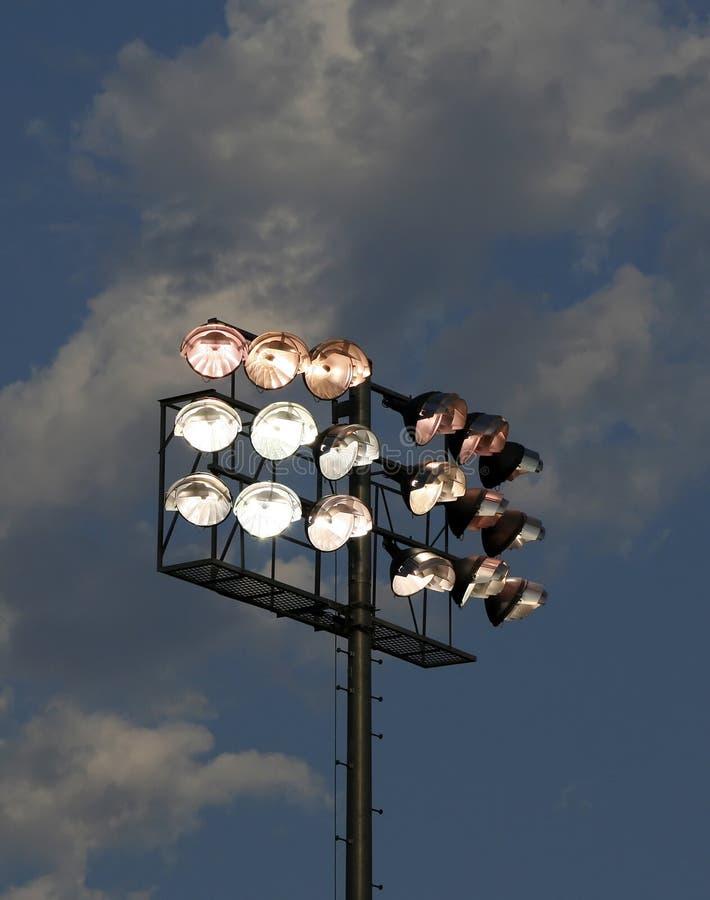 黄昏点燃体育场 库存照片