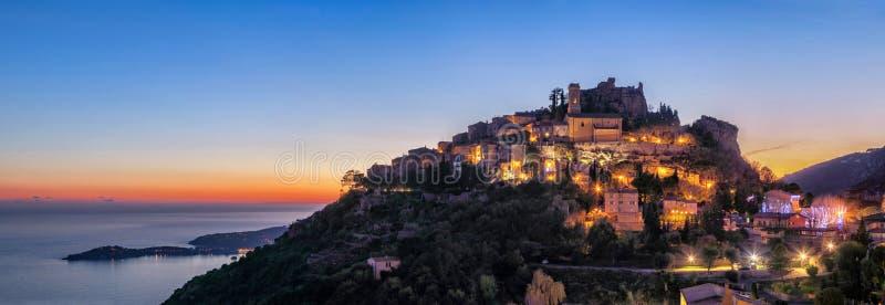 黄昏的,法国中世纪小山顶村庄Eze 免版税图库摄影