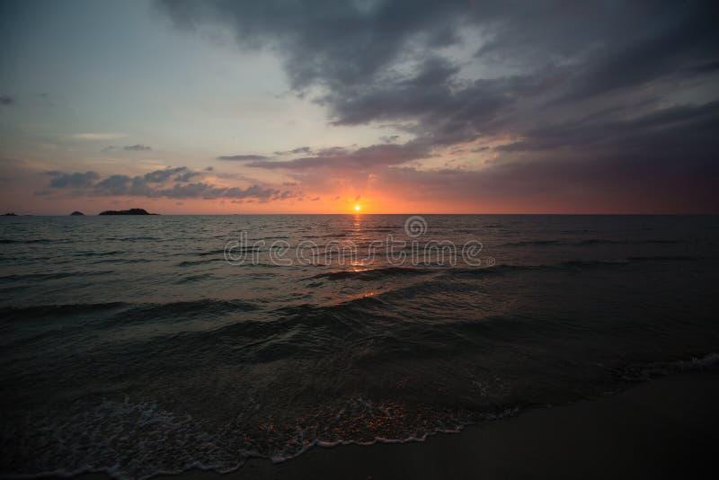 黄昏蓝天下的热带海滩 自然 库存图片