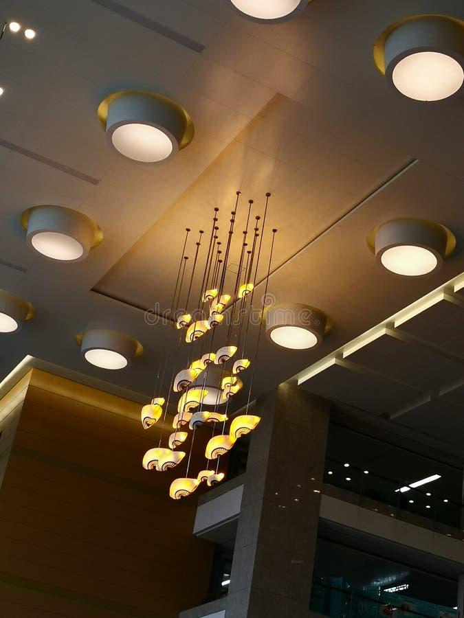 黄灯在大厅里 免版税库存照片