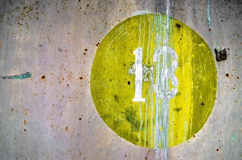 黄色油漆老难看的东西纹理在金属的 图库摄影
