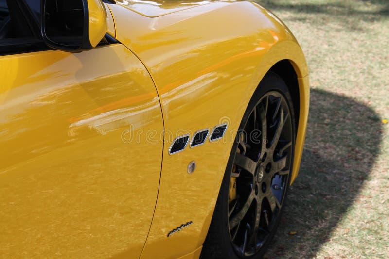 黄色现代Maserati边详述特写镜头 免版税库存照片