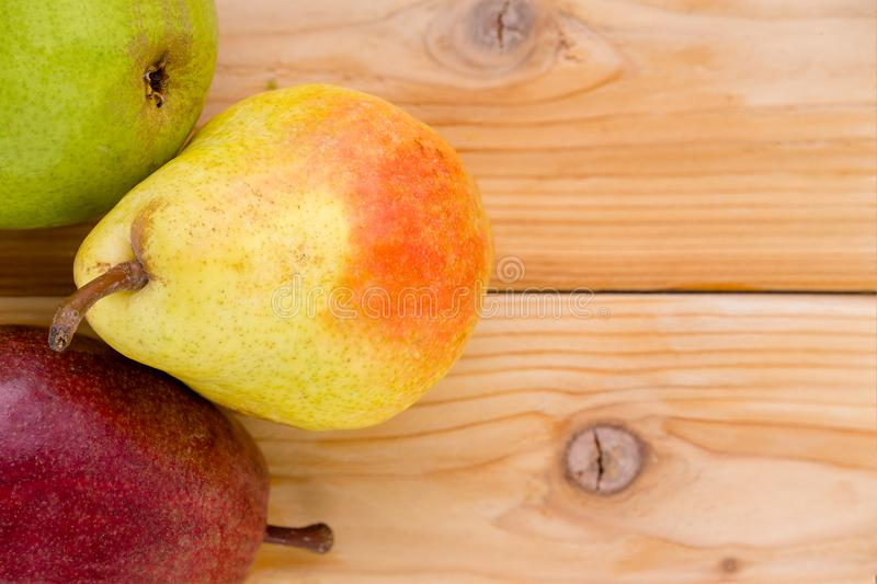 黄色的梨三品种-红色,绿色和 图库摄影