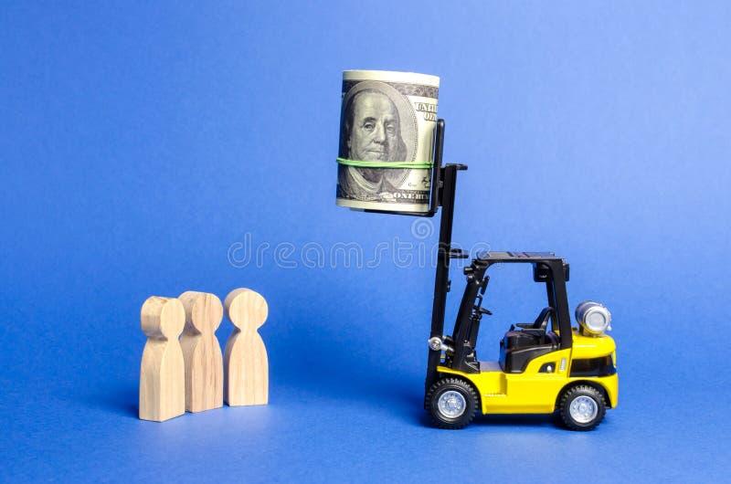 黄色铲车被上升对捆绑的高度金钱难达到为下面人 主要奖,难题,合同 库存照片