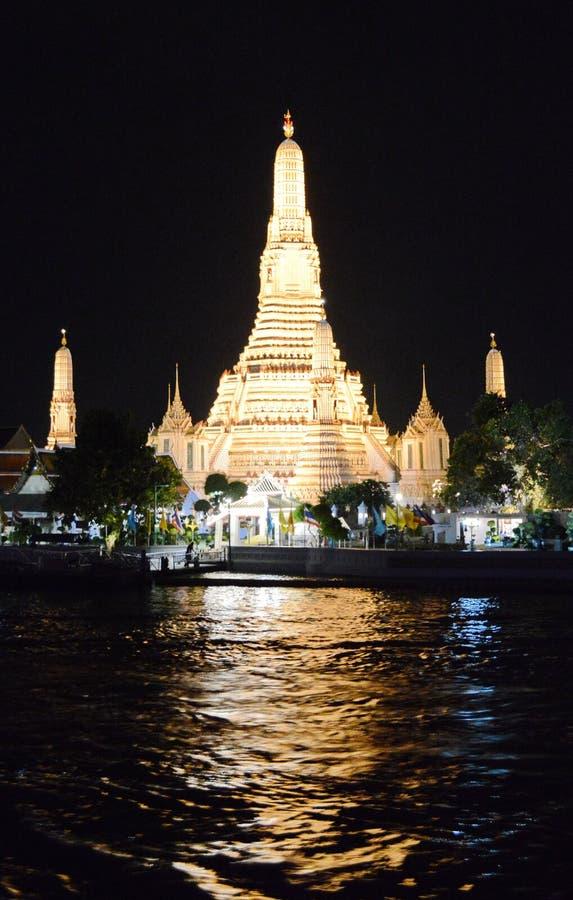 黎明寺寺庙在晚上 图库摄影