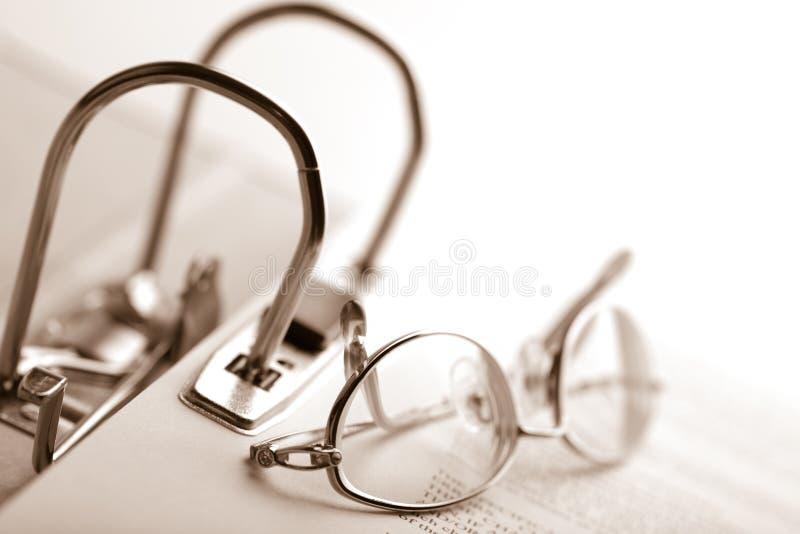 黏合剂保护文件用玻璃开张  图库摄影