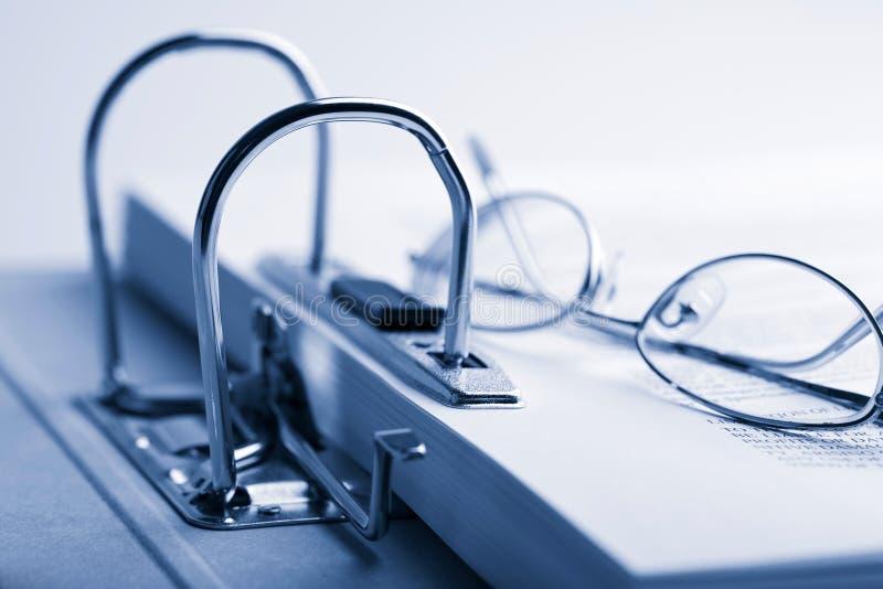 黏合剂保护文件用玻璃开张  库存照片