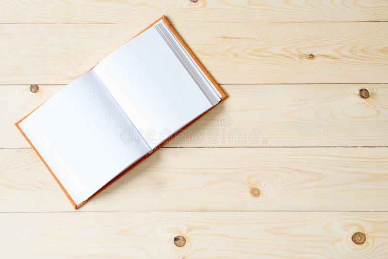 黏合剂笔记本 免版税库存图片