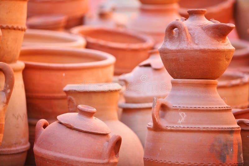 黏土厨具罐 免版税库存图片
