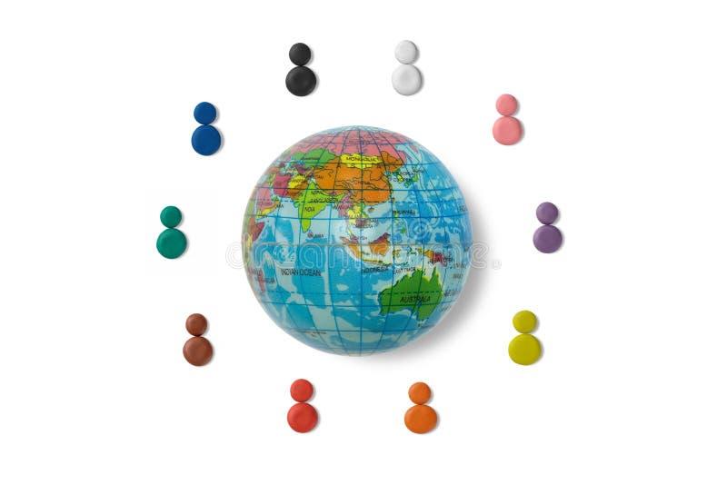 黏土的颜色代表不同种族人环球 免版税库存图片