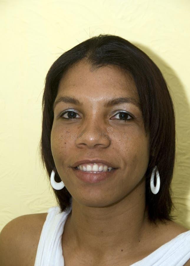 黑人克里奥尔人的当地尼加拉瓜微笑的妇女 免版税库存照片