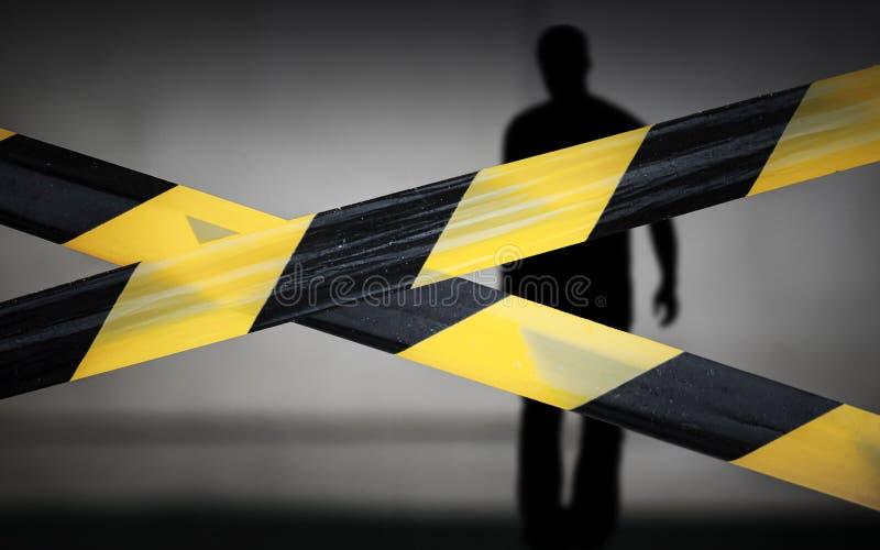 黑人和黄色镶边磁带和违背者 免版税库存图片
