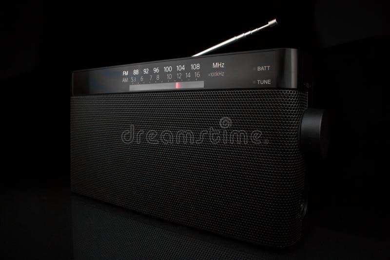 黑便携式的fm无线电接收机 免版税库存图片