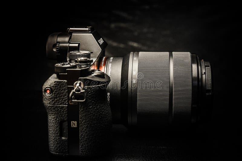 黑数字式SLR照相机 库存照片