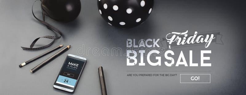 黑星期五销售横幅,与哥特式黑体字、气球、铅笔、丝带和机器人手机 库存照片