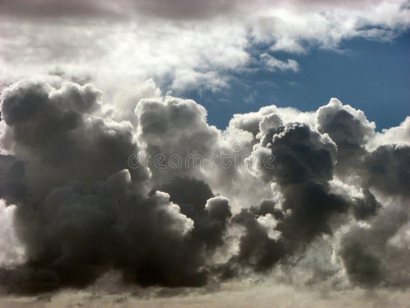 黑暗的云彩 免版税库存照片