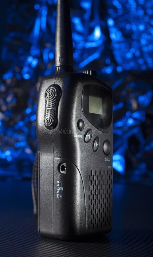 黑暗的携带无线电话 库存照片