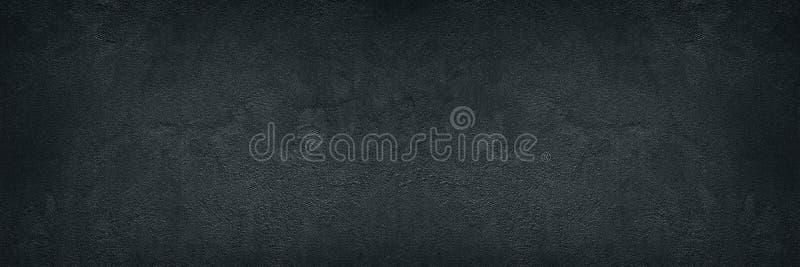 黑概略的混凝土墙宽纹理-黑暗的难看的东西背景 免版税库存照片
