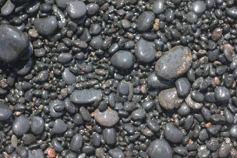 黑沙子和Playa de萨莫拉,拉帕尔玛岛多岩石的海滩  库存照片