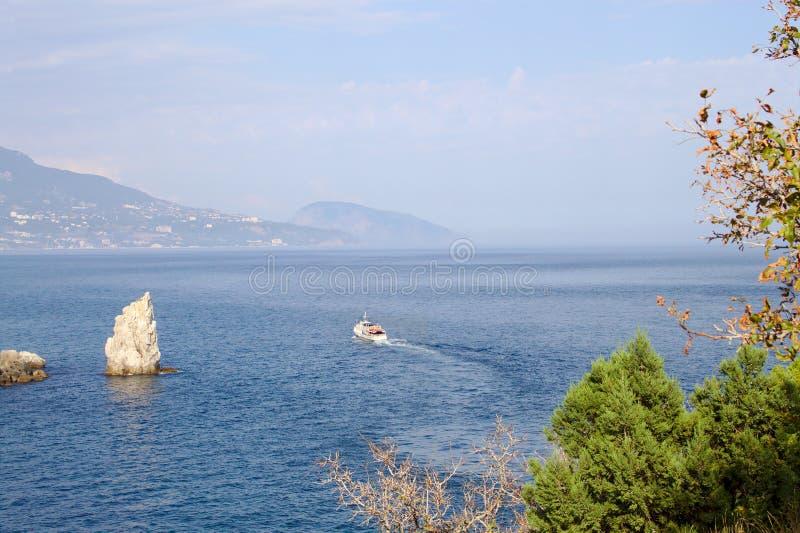 黑海海岸在一好天气在克里米亚 库存图片