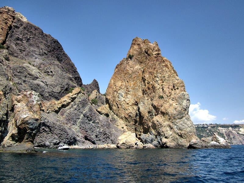 黑海的岩石和石头 库存照片