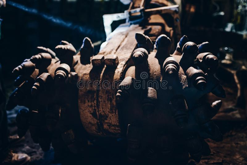 黑煤炭剪床 库存图片