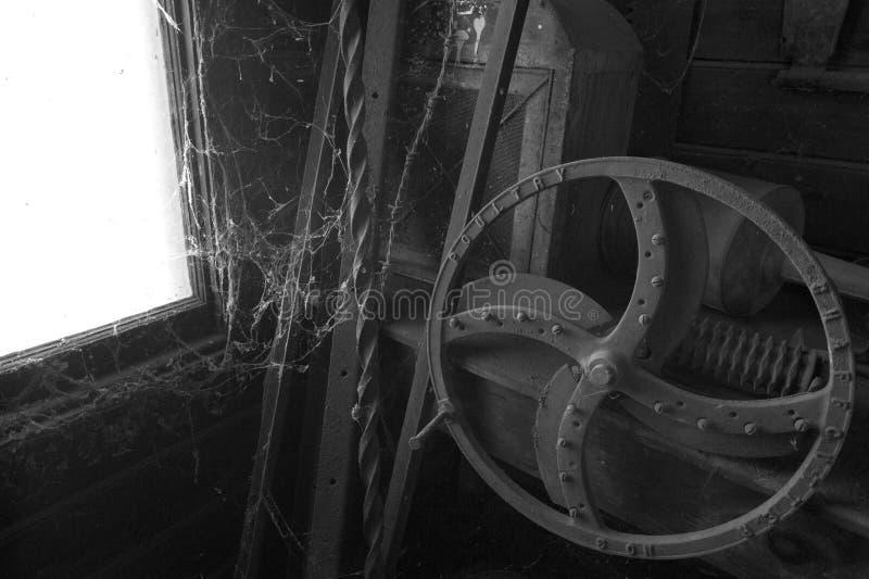 黑白老农场设备 免版税库存图片