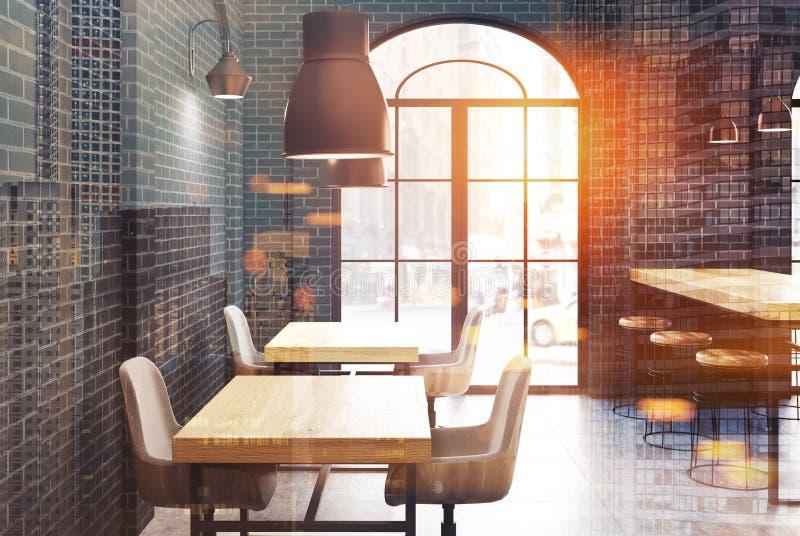 黑砖咖啡馆,被定调子的木桌边 皇族释放例证