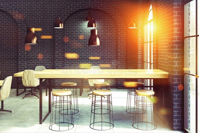 黑砖咖啡馆,被定调子的木桌 皇族释放例证