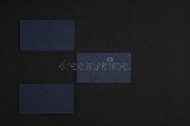 黑空白的名片照片在黑背景的 Templ 免版税图库摄影