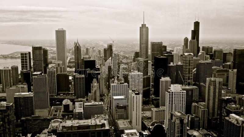黑色大厦芝加哥白色 免版税库存照片