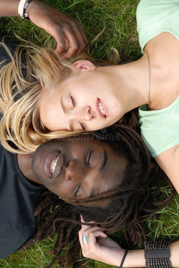 黑色夫妇空白年轻人 免版税库存图片