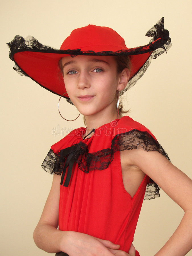 黑色女孩帽子鞋带纵向红色 免版税库存图片