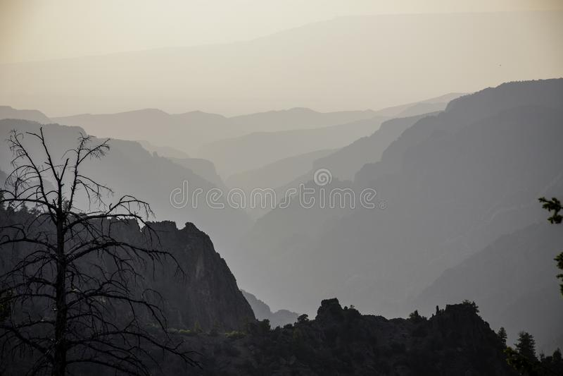 黑色峡谷gunnison 从火的烟 免版税库存图片