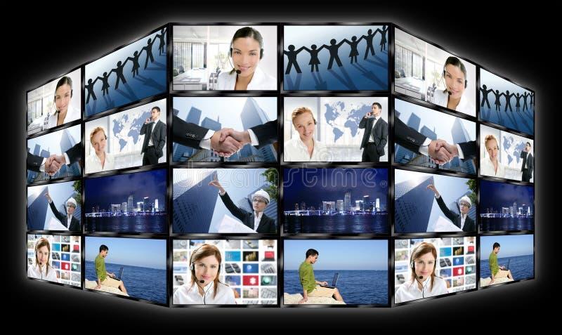 黑色框架多个屏幕电视墙壁 库存照片