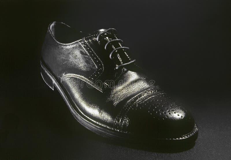 黑色经典皮革人鞋子 库存图片