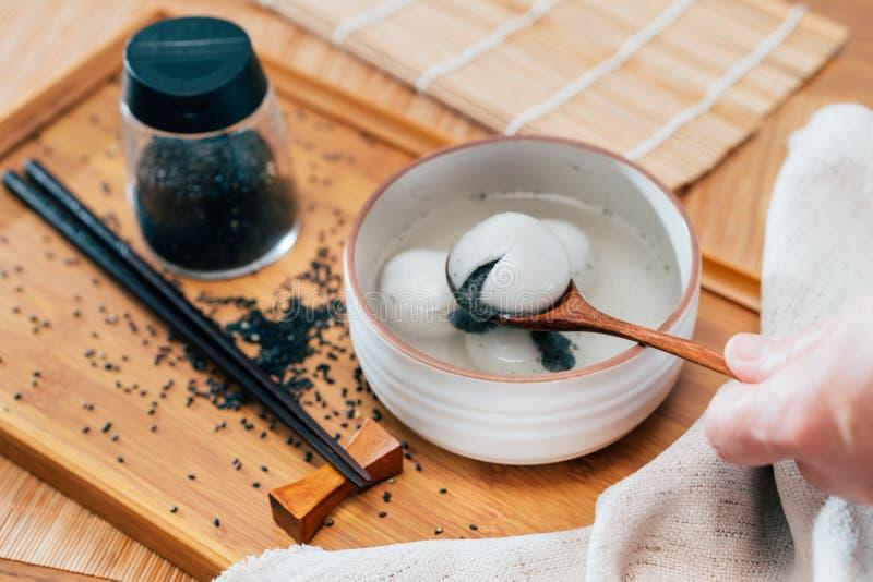 黑芝麻甜饺子照片 免版税库存图片