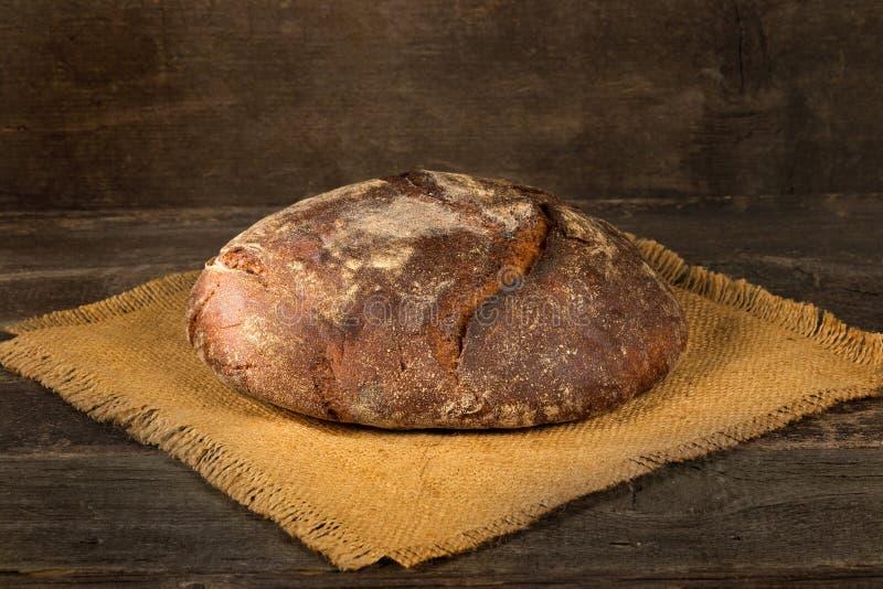 黑芬芳面包大面包  库存图片