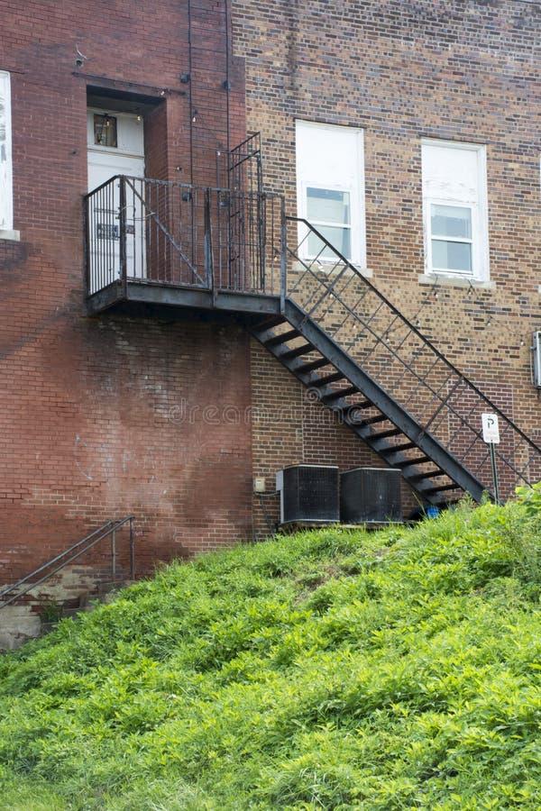 黑防火梯楼梯 免版税库存照片