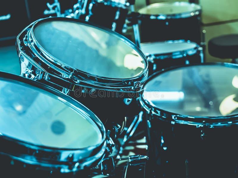 鼓集合鼓手设备特写镜头  免版税库存图片