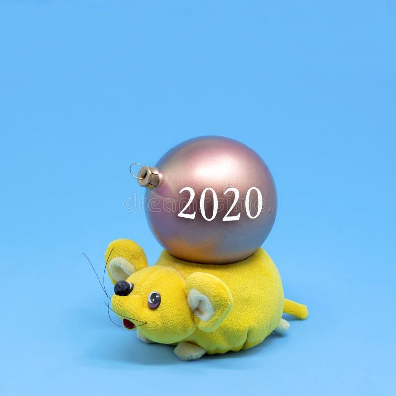鼠是新年的标志在东部日历的2020年 库存照片