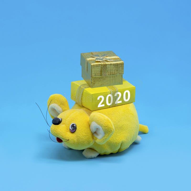鼠是新年的标志在东部日历的2020年 免版税库存照片