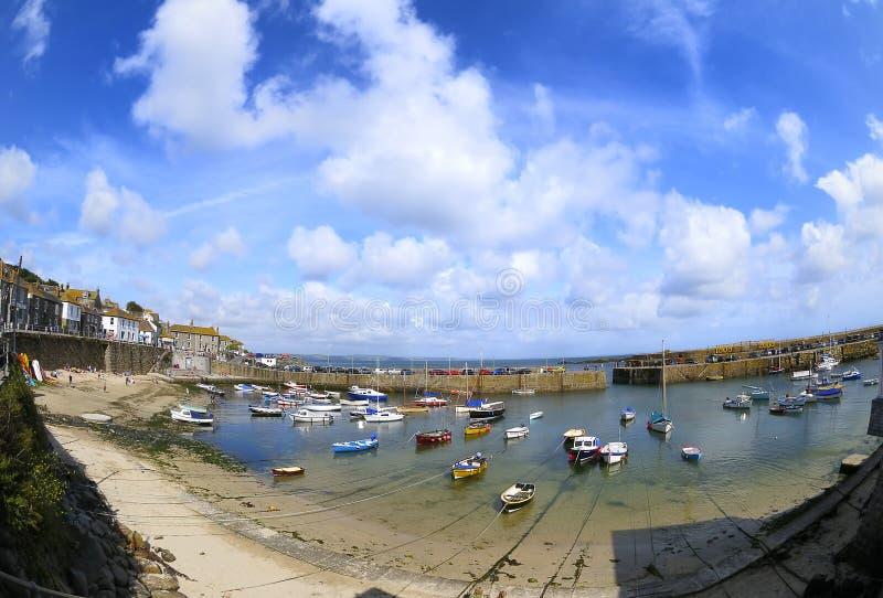 鼠洞的, Cornwall,英国港口。 库存照片