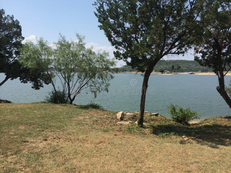 负鼠Kingdom湖看法  免版税图库摄影