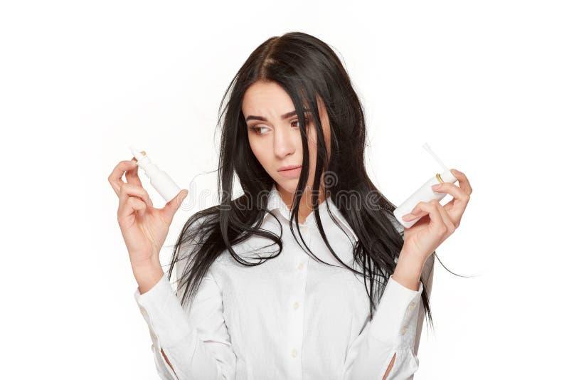 鼻哀伤的妇女对负切除卵巢和药剂 库存图片