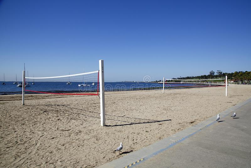 齐射在海滩的球法院在吉朗 免版税库存照片