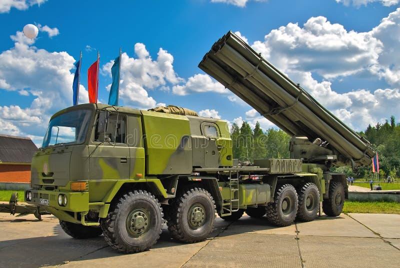 齐射火喷气机系统在卡车的 俄国 免版税库存照片