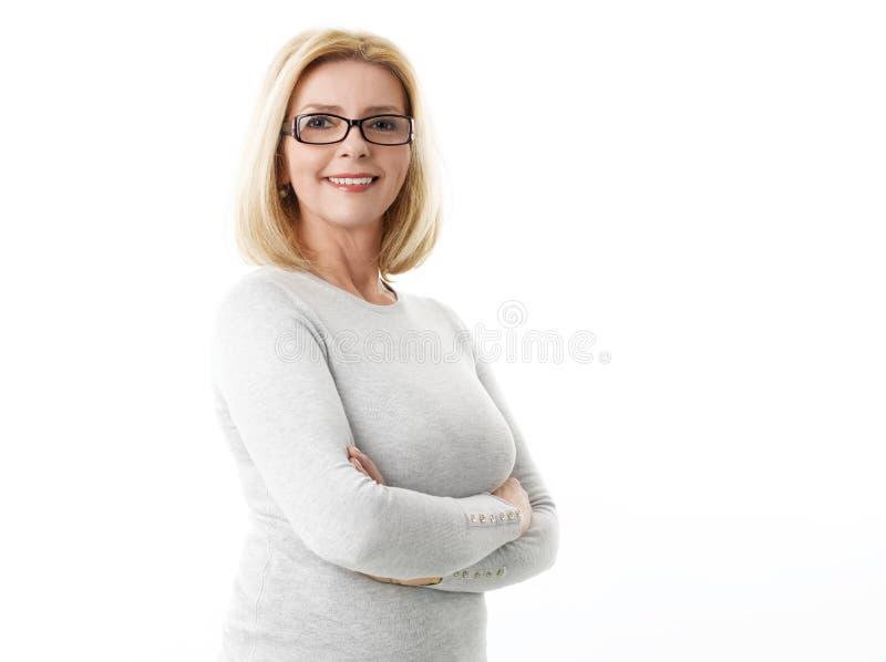 年龄可爱的中间妇女 免版税库存照片